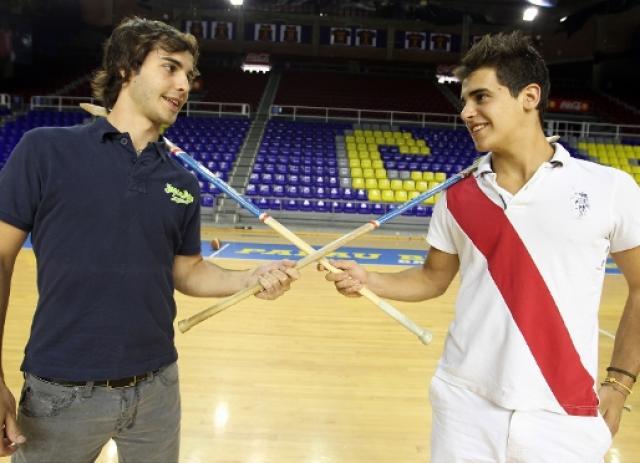 Dois jovens fecham plantel do Barça